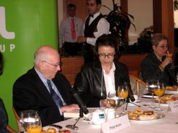 Philip Kotler signing book at Sofia press conference